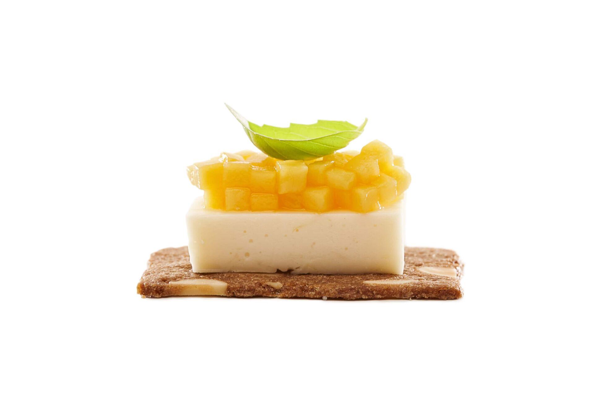 Almond thins mango limoncello