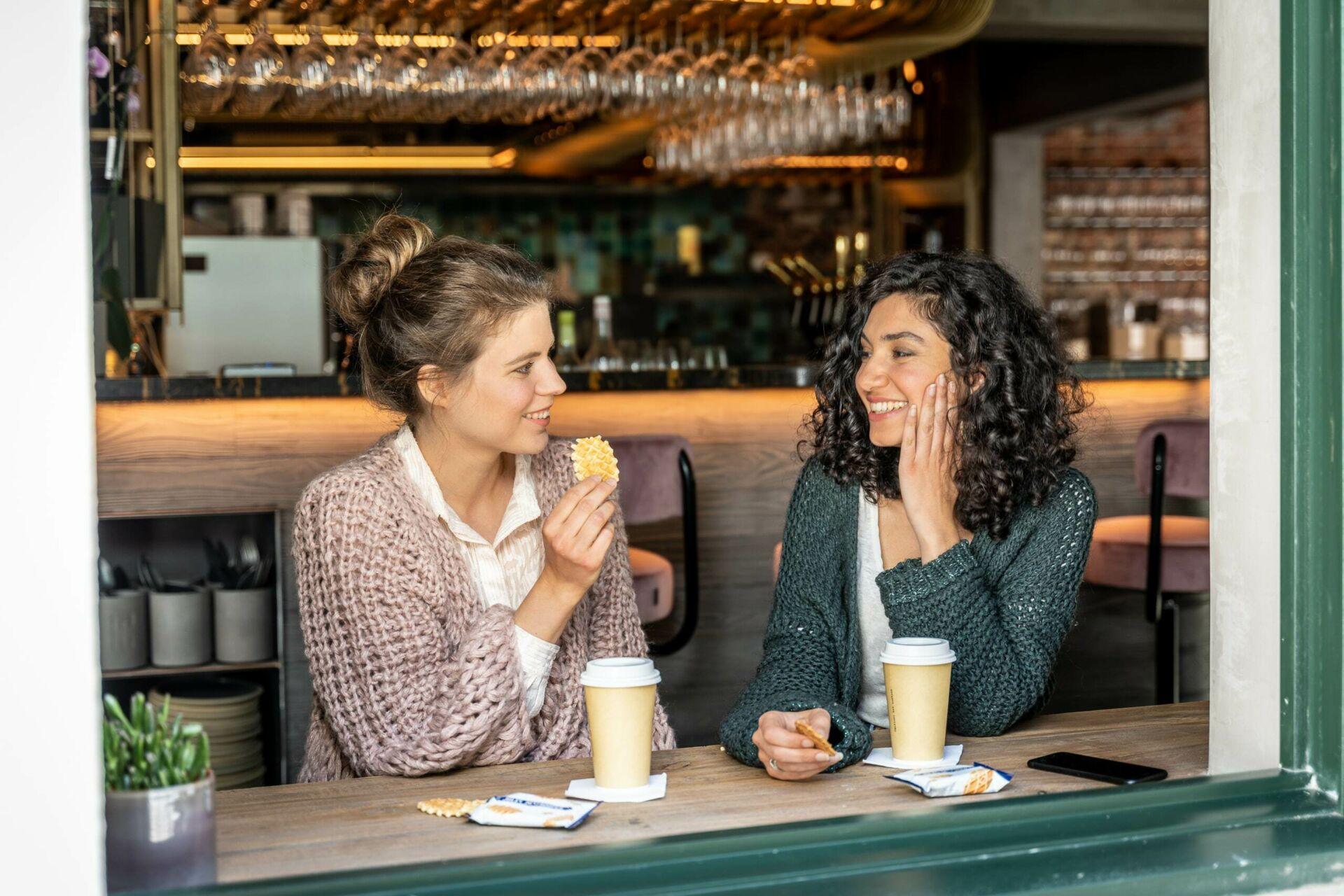 Vriendinnen café koffie